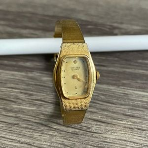 Vintage Citizen Quartz Ladies Slim Gold Watch